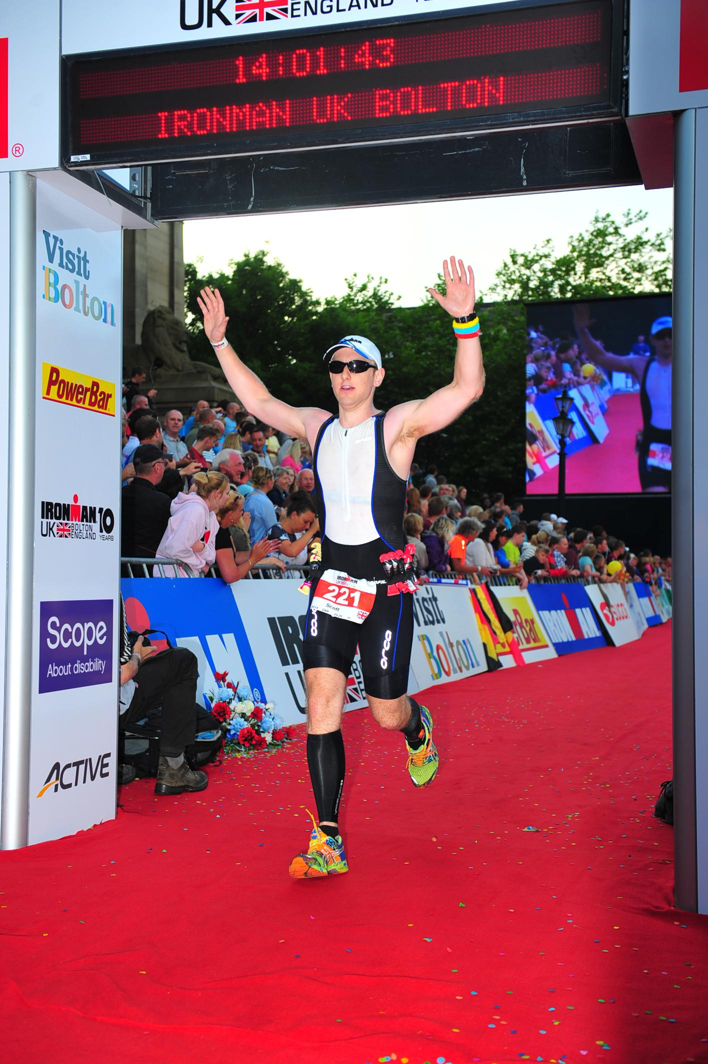 Chiropractor Scott Benham from Chiro Health in Lexden Colchester completes IronmanUK traithlon 2014 in 14 hours